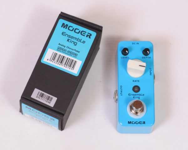 Analog chorus pedal Mooer Ensemble King