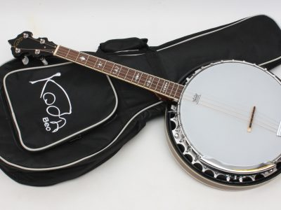 17 fret banjo and gigbag Koda - play trad music - Freya guitars